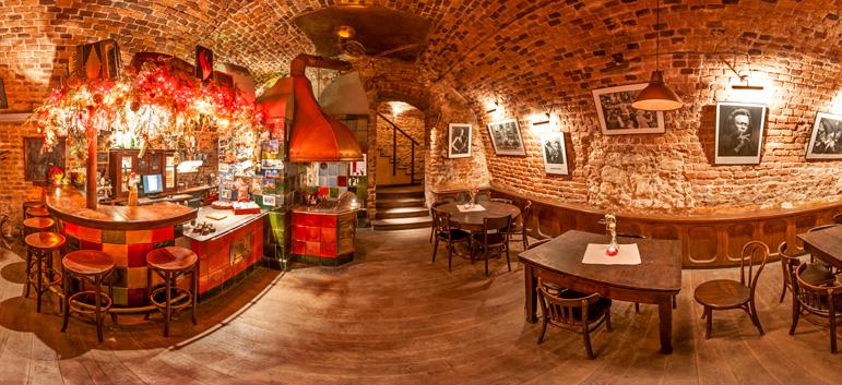 """Virtuelle 360°-Tour Acoustic Jazz Club """"Piec Art"""", Kraków (Polen)"""